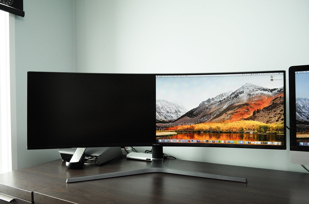 27-inch Monitors